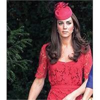Kırmızılı Kadın: Düşes Kate
