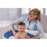 Bebeğinize Banyo Yaptırmanın Faydaları