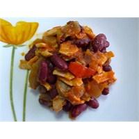 Pratik Tavuklu Mantarlı Meksika Fasulyesi Yemeği