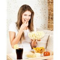 Abur Cubur Yiyecekler Sindirim Sistemine Zararlı