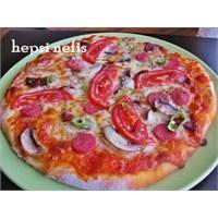 Evde Pizza Nasıl Yapılır Tarifi