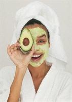 Cilt Besleyici Avokado Maskesi