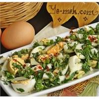 Bol Yeşillikli Yumurta Salatası Tarifi (Resimli)