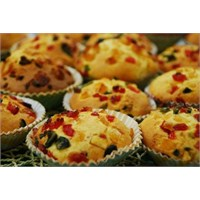Çay Keyfinde Meyveli Muffin