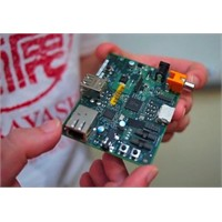Dünyanın En Küçük Bilgisayarı Raspberry Pi Satışta