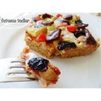 Pratik Ekmek Tabanli Pizza/ Fatosca Tadlar