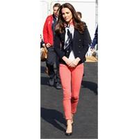 Kate Middleton'ın Tercihi Mercan Kırmızısı J Brand