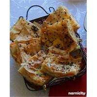 Havuç Ve Patatesle Sebzeli Börek