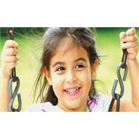 Mutlu Çocuklar Mutlu Ailelerde Olur