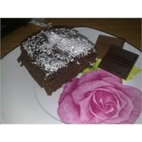Ağızlara Layık Kakaolu Islak Kek