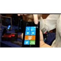 Ces 2012 Fuarı Akıllı Telefon Tanıtımları