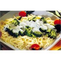 Brokoli Soslu Spagetti Tarifi