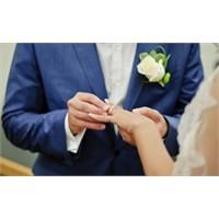 Evlilik Yüzüğü Neden Sol Elin 4. Parmağına Takılır