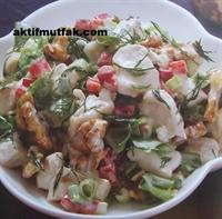 Mayonezli Tavuk Salatası Nasıl Yapılır?