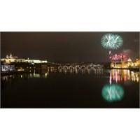 """Yeni Yıla """"Masal Şehri"""" Prag'da Girmeye Ne Dersini"""