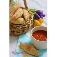 Minik Rulo Ekmekler (Butter Horn Rolls)