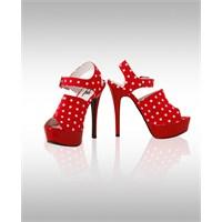 Adil Işık Ayakkabı Tasarımlarıyla Büyülüyor