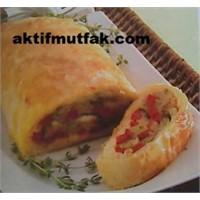 Hellim Peynirli Rulo Börek Nasıl Yapılır?