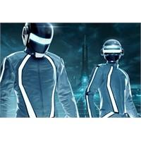 Daft Punk, Derezzed! Üst Üste Yılmadan Dinleyin!!!