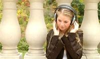 İnternetten Müzik İndirene Ceza Geliyor
