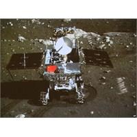 Çin Yutu Uzay Gezginiyle Aydan Fotoğraf Yolladı