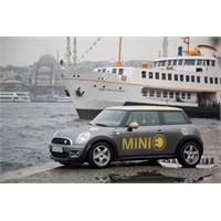 Elektrikli Mini İle İstanbul Sokaklarında
