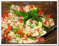Besleyici Ve Lezzetli Pirinç Salatası