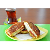 Pratik Tost Kızartılmış Yumurtalı Tost