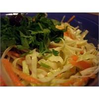 Havuçlu Beyaz Lahana Salatası