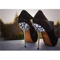 Taşlar İle Topuklu Ayakkabılarınıza Farklı Bir Hav