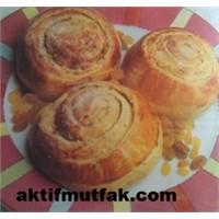 Meyveli Ve Fındıklı Çörek
