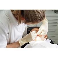 Çocuklarda Diş Çürüğünü En Aza İndirmek İçin Öneri
