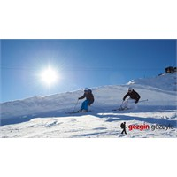 Avrupa'nın Çatısında Kayak Yapmaya Ne Dersiniz?