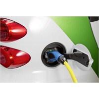 Halk Elektrikli Otomobile Mesafeli