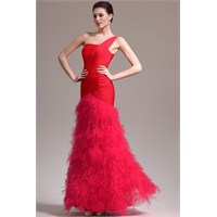Kırmızı Renkli Elbise Tasarımları : 2013 Tarzları