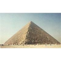 """Dünyanın Yedi Harikası """"Keops Piramidi"""""""