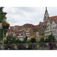 Tübingen: Neckar Kıyısında Bir Ortaçağ Şehri
