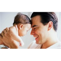 Babalar İçin Bebek Bakım Önerileri