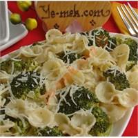 Kremalı Brokolili Makarna Tarifi