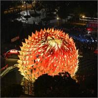 Hong Kong'un Dev Festival Feneri