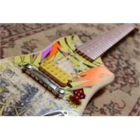 Kaykay Tahtasından Elektro Gitarlar