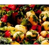 Kolay Nohut Salatası Tarifi