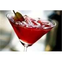 Alkolsüz Tatlı Kızılcık Kokteyl Tarifi