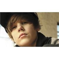Justin Bieber Büyüyor