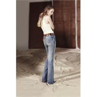 Feminen Ve Retro Bir Tarz İçin: Flare Jean