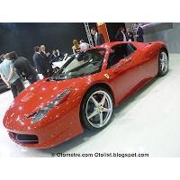 En Ferrari; Ff Ve F12
