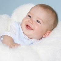 Bebeğin Gülüşü Anneye Yarıyor