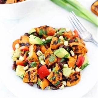 Healthy aardappelsalade voor keukenkneuzen