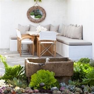 Buitenleven   Een tuin in Ibiza stijl
