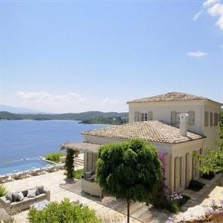 Twee prachtige Griekse huizen op Corfu & Santorini